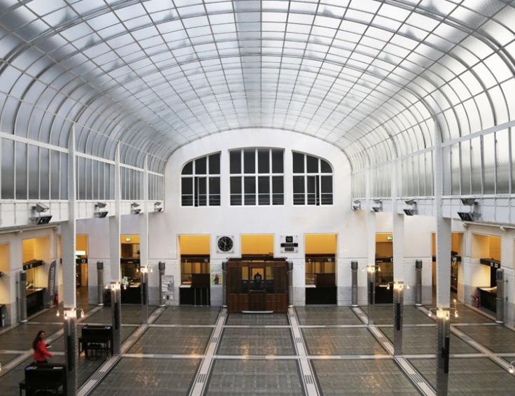 维也纳邮政储蓄银行室内